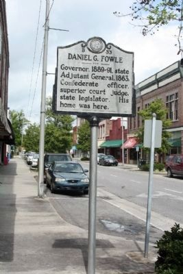 Daniel G. Fowle Marker, looking north image. Click for full size.