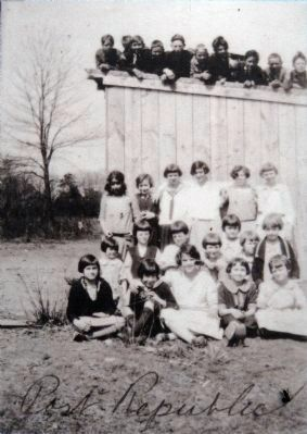 Class photo shows the Port Republic School #7 in the 1920's. image. Click for full size.
