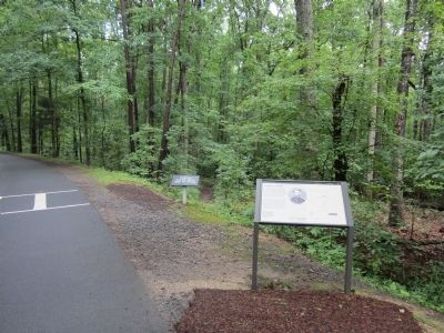 Upton's Trail Marker image. Click for full size.