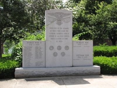 Hudson Veteran's Memorial image. Click for full size.