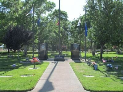 Joshua Memorial Park Veterans Monument image. Click for full size.