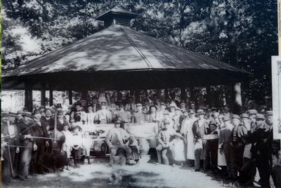 Picnic at Schuetzen Park image. Click for full size.