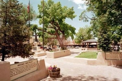 Don Fernando de Taos Plaza view image. Click for full size.
