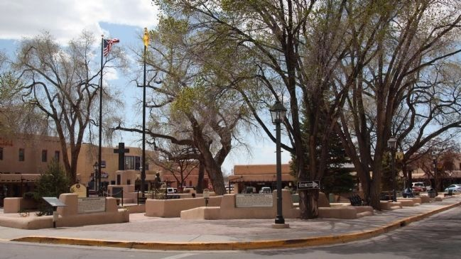 Don Fernando de Taos Plaza and Three Markers image. Click for full size.