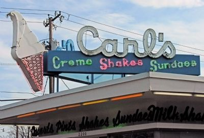 Carl's Creme Shakes Sundaes image. Click for full size.