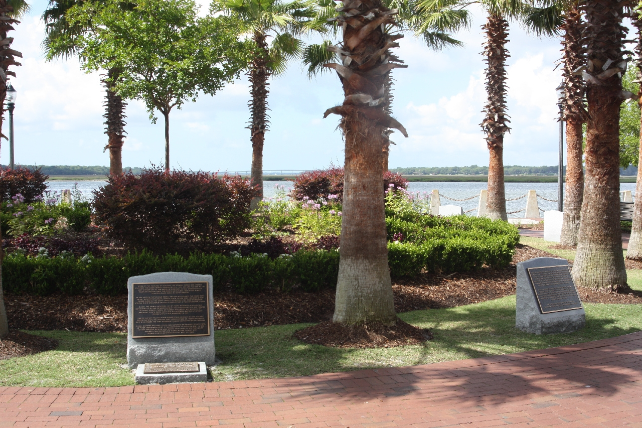 Beaufort South Carolina Tricentennial Marker, Plaques 1 and 2