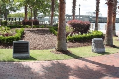 Beaufort South Carolina Tricentennial Plaques 3 and 4 image. Click for full size.
