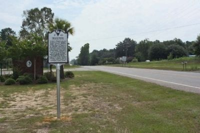Wagener Marker looking east along Railroad Avenue E (SR 39) near Park Street NE image. Click for full size.