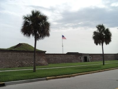 Fort Moultrie image. Click for full size.