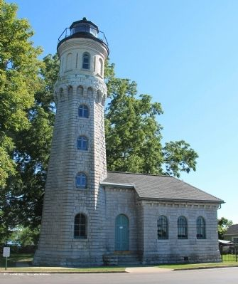 Old Fort Niagara Lighthouse image. Click for full size.