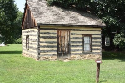 Woodlawn Log Cabin image. Click for full size.