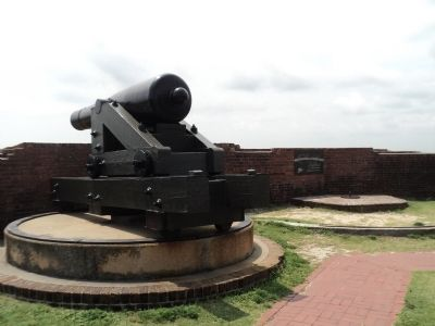 Marker in Fort Pulaski image. Click for full size.