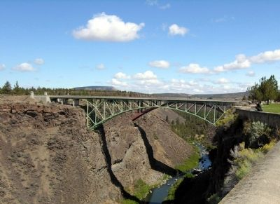 The Crooked River (High) Bridge image. Click for full size.