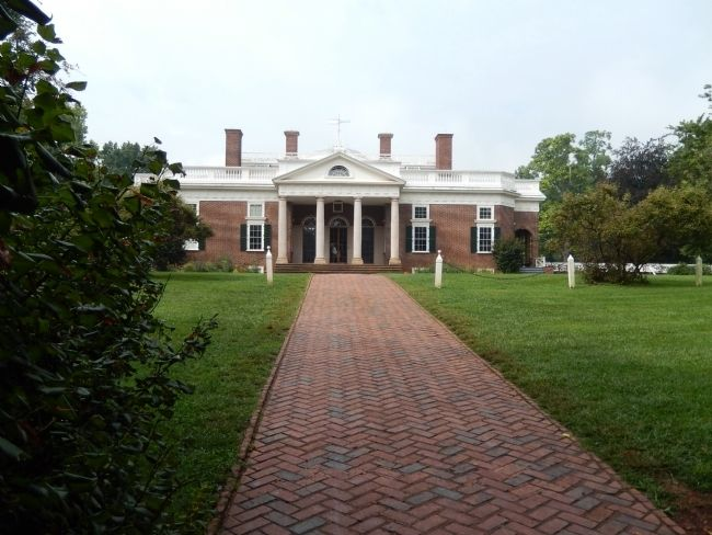 Monticello Entrance image. Click for full size.