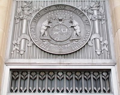 MO Seal on Clay County Courthouse image. Click for full size.