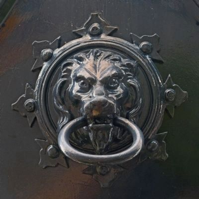 Decorative Lion Head image. Click for full size.