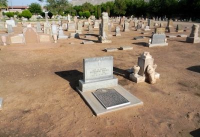 Victoriano Huerta grave at Evergreen Cemetery image. Click for full size.