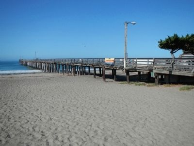 Cayucos Pier image. Click for full size.