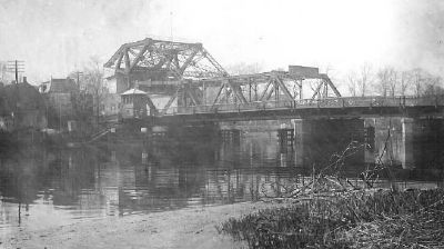 The 1915 Rutgers Bridge image. Click for full size.