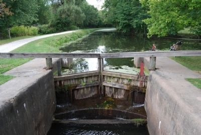 Ohio and Erie Canal Lock 4 Gate image. Click for full size.