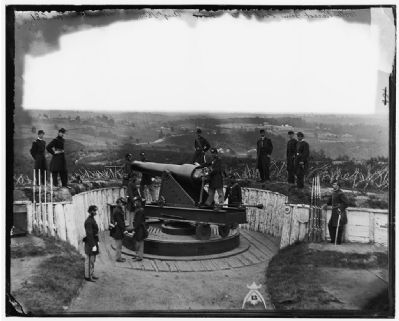 Parrott gun on iron barbette carriage at Fort Totten. image. Click for full size.