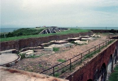 Gun Mounts Atop of the Fort's West Casemates Facing the Channel. image. Click for full size.