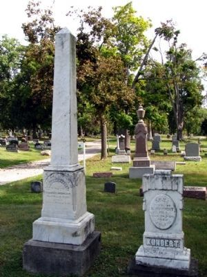 Headstones in older section<br>of Lakeview Cemetery image. Click for full size.