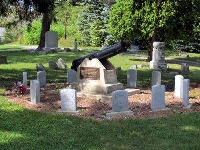 Civil War Memorial Cannon image. Click for full size.