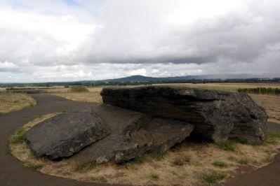 Erratic Rock overlooking Williamette Valley image. Click for full size.