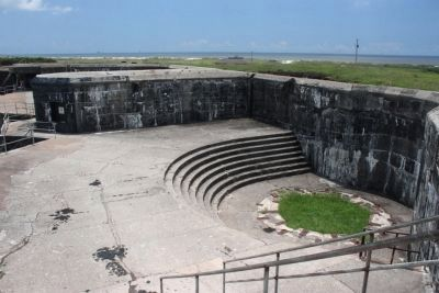 Battery Duportail's west 12-inch gun pit. image. Click for full size.