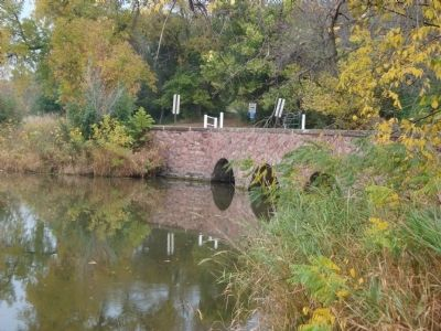 Quartzite Bridge image. Click for full size.