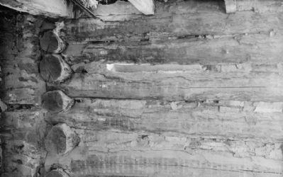 Log notching with infill - Lawrence Cabin, State Route 3, Havertown, Delaware County, PA image. Click for full size.