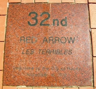 32nd 'Red Arrow' Infantry Division Memorial Marker image. Click for full size.