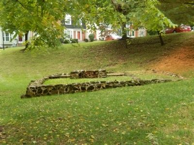 Foundation of the Frame Slave Quarters image. Click for full size.