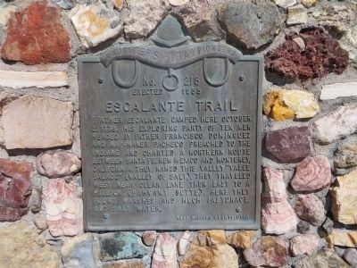 Escalante Trail Marker Photo, Click for full size
