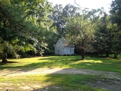original outbuilding on Buck Spring plantation image. Click for full size.