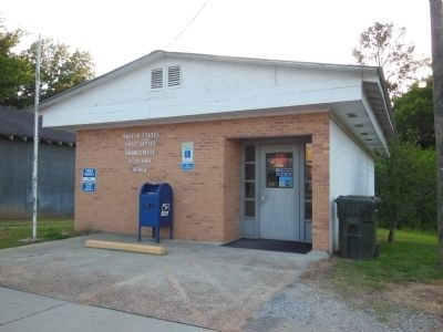 Gainesville, Alabama Post Office image. Click for full size.
