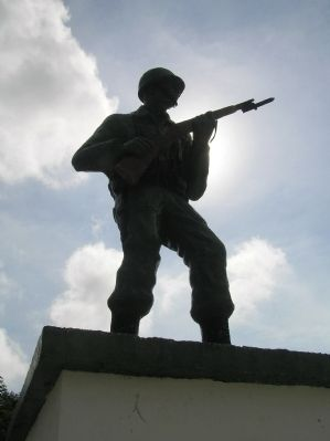 Detail of Monument to the Honduran soldier image. Click for full size.