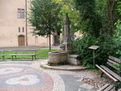 "Röhrwasserbrunnen in the/im ""Lutherhof"" and Marker image. Click for full size."