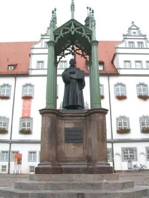 Martin Luther Monument image. Click for full size.
