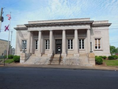 Historic Talladega Federal Post Office Building image. Click for full size.