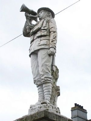 World Wars Memorial Statue image. Click for full size.