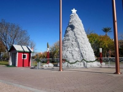 The 2013 Tumbleweed Christmas Tree image. Click for full size.