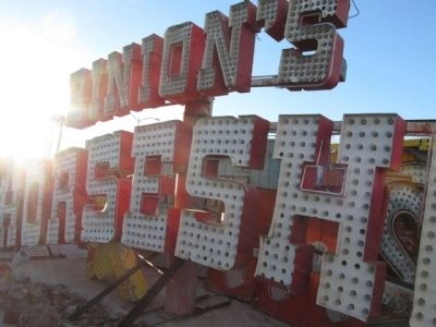 Binion's Horseshoe Sign image. Click for full size.