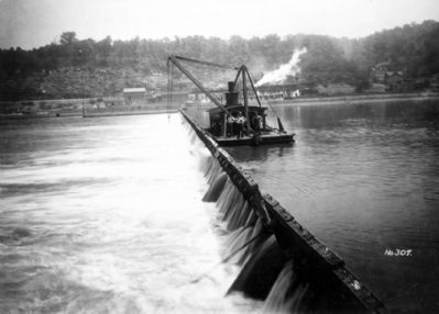 Davis Island Lock and Dam image. Click for full size.