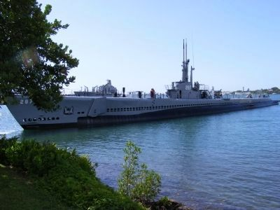 USS Bowfin-distant photo image. Click for full size.