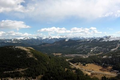 View to the southeast from Lobo Overlook image. Click for full size.