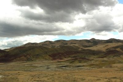 Painted Hills image. Click for full size.