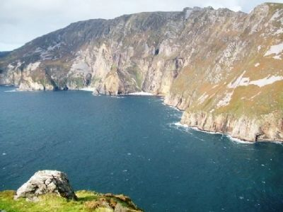Slieve League Cliffs, Home of Chough / Cág Cos-dearg image. Click for full size.