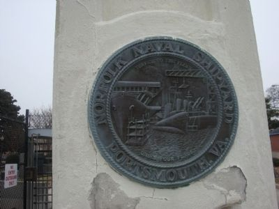 Norfolk Naval Shipyard plaque image. Click for full size.